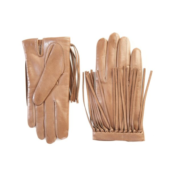 Women's cashmere lined sheepskin gloves with knotted fringes in color alpaca