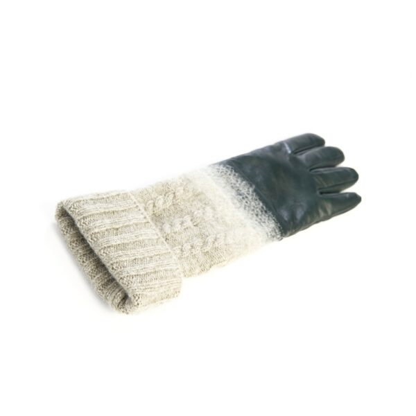 Women's gloves in green nappa leather with wool needle punch details